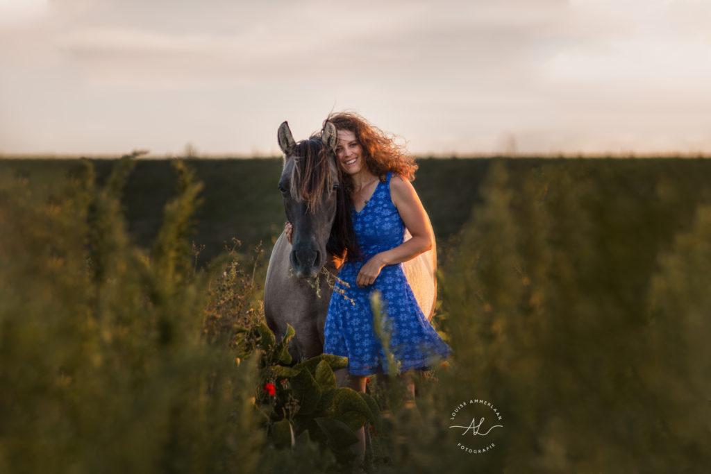 Laurien en Sil blauwe jurk
